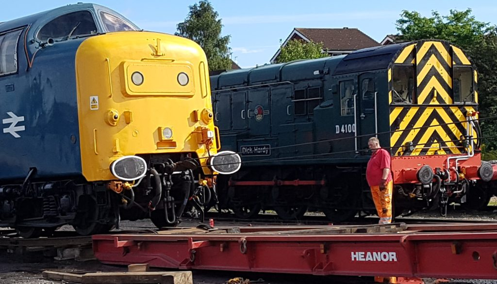 Heanor_Paul_loading_Deltic_Class_55-20160906_03