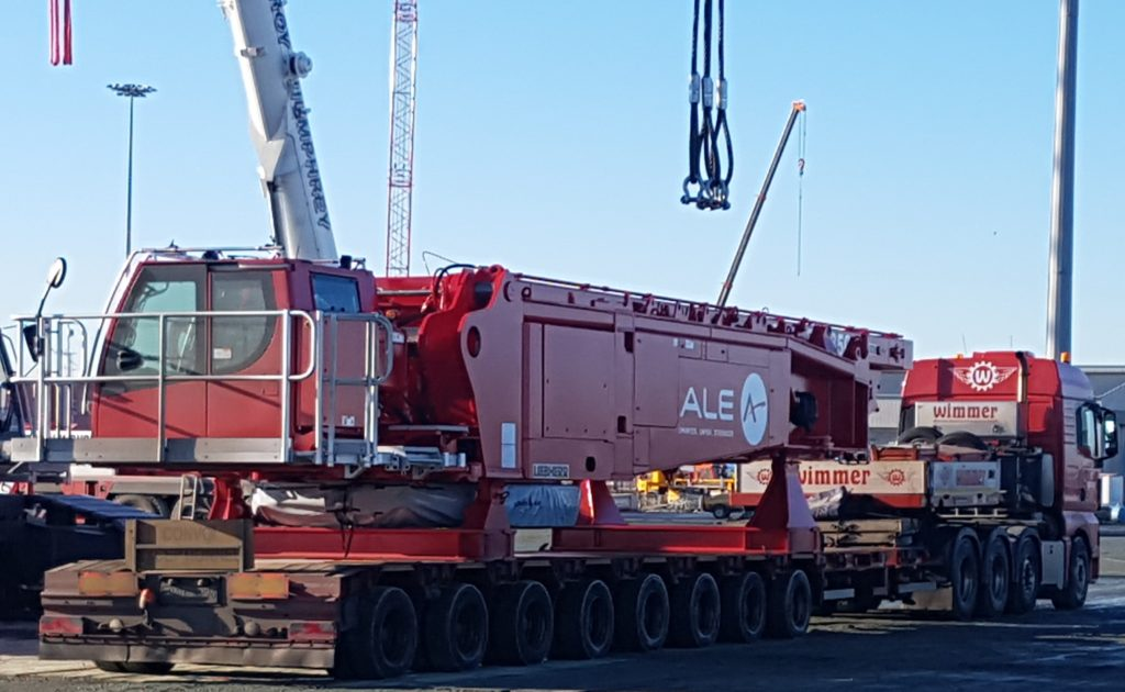Wimmer delivering part of a Liebherr LR1300